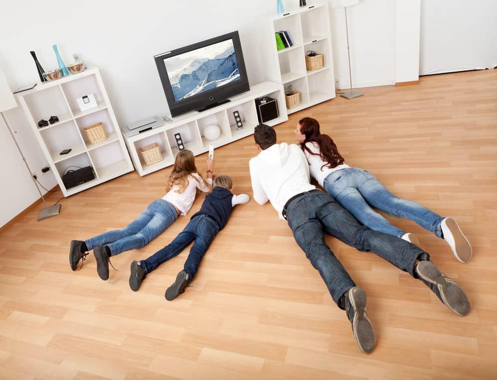 Sicurezza bambini televisione come non far ribaltare la tv